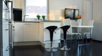 Vkusne zariadený 2 izbový byt vrátane modernej kuchyne.