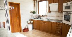 5+2 izbový rodinný dom,obytný suterén! Vhodný ako dvojgeneračný dom na pozemku 1198 m2