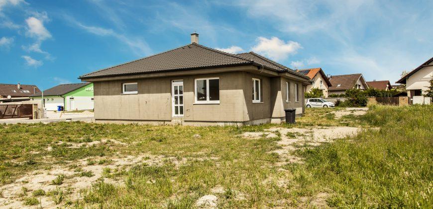 Priestranný rodinný dom 163m2 na veľkolepom pozemku 859 m2