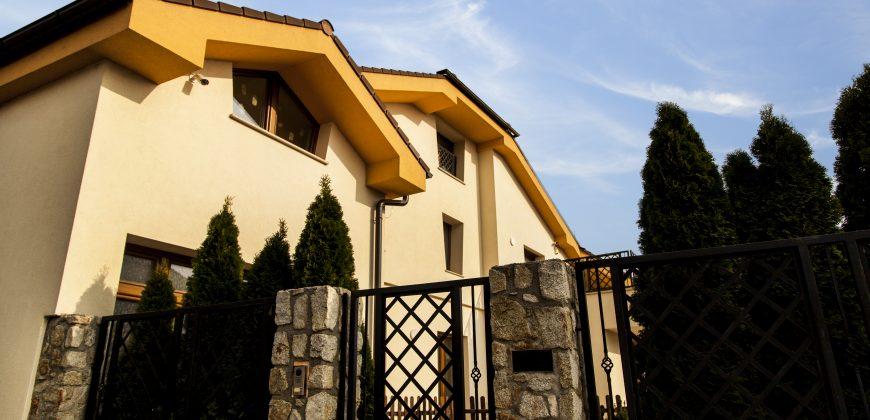*Nadštandardná rodinná vila, alebo sídlo firmy v Prievoze* Rozloha 400 m2