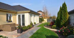 4 izb. bungalov Veľké Dvorníky *krásna upravená záhrada*
