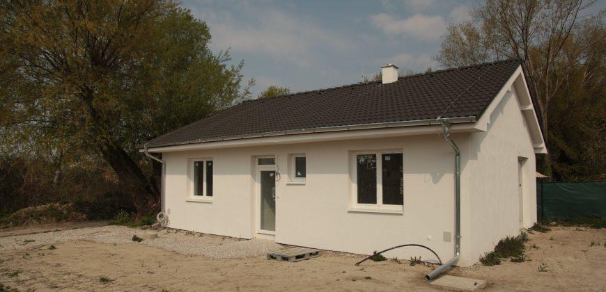 Novostavba-3 izb. rodinný dom v Hamuliakove blízko hrádze